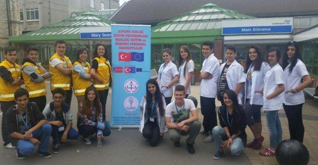 Özel Çapa Anadolu Sağlık Meslek Lisesi Yeterliliklerini Geliştiriyor