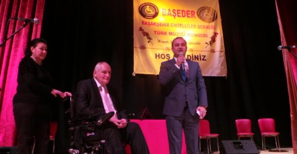 Özgür Karabat Başakşehir'de Engelli Kardeşleriyle bir araya geldi.