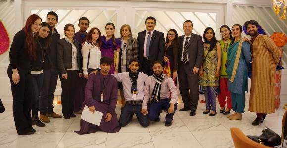 """Pakistanlı Öğrenciler """"Bahar Bayramı""""nı kutladılar"""