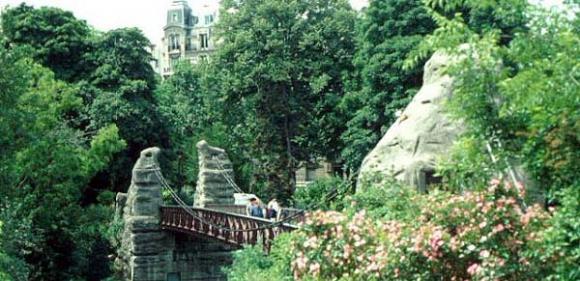 Paris'in Saklı Bahçesi Parc des Buttes-Chaumont