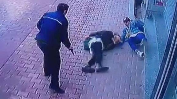 Penaltı kahramanı Ömer Barış Topkara'nın polis tarafından vurulma anı