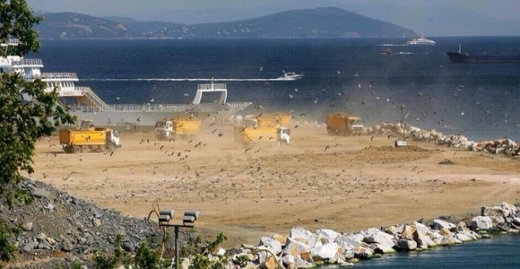 Samatya'da deniz dolgusu kalıcı hasar bırakıyor