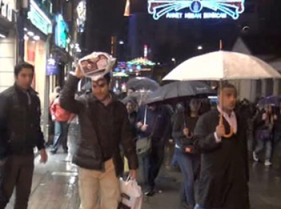İstanbul'da yağmur bereketi! Vatandaş hazırlıksız yakalandı