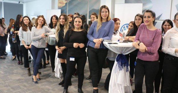 Tamaş, 8 Mart'ı kadın çalışanlarıyla birlikte kutladı