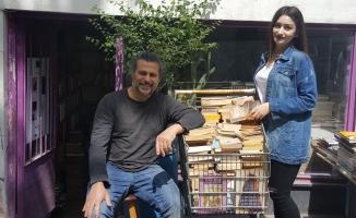 Çöpte Bulduğu Kitapla Hayatı Değişen Oktay'ın İnanılmaz Hikayesi