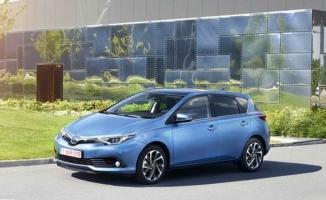 İlk kez Türkiye yollarına çıkacak Toyota Auris Hybrid'in fiyatı belli oldu