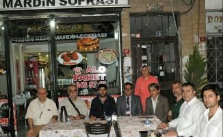 UYGAD üyeleri Tarihi Kent  Mardin Sofrası'nda iftar açtı