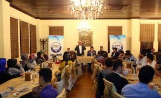 Bağcılarlı gençler İçişleri Bakan Yardımcısı Mehmet Ersoy'u misafir etti