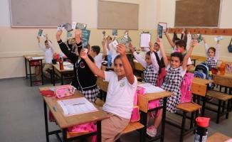 Belediyeden 20 Bin Öğrenciye Kırtasiye Yardımı