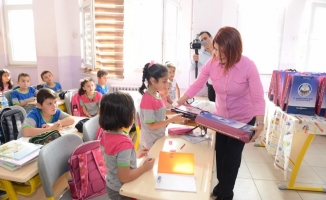 """""""Sokaktan Okula"""" projesi ile fark yaratan Avcılar Belediyesi'nden eğitime tam destek"""
