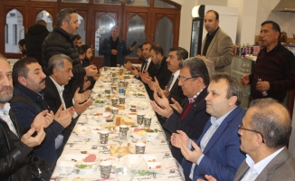 Camii Cemaati ile sabaha kahvaltısı geleneği devam ediyor