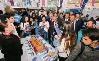 Başakşehirli öğrenciler BÜTEF'te buluştu