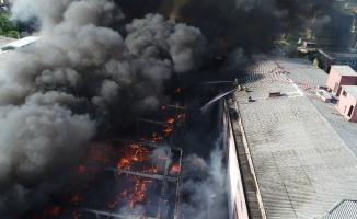 İstanbul'da iplik fabrikasında büyük yangın