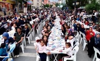 Üsküdar Belediyesi TÜM İstanbulluları Yılın En Büyük İftar Sofrasında Buluşturmaya Hazırlanıyor