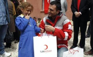 Türk Kızılayı İstanbul Şubesi Çocukların Yüzünü Güldürdü