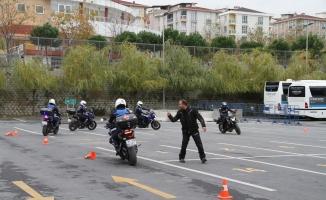 Esenyurt'ta motorize zabıtaya sürüş eğitimi