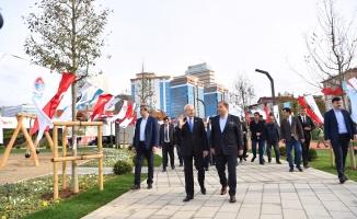 Kılıçdaroğlu 44 dönümlük Maltepe Cumhuriyet Parkı'nı ziyaret etti