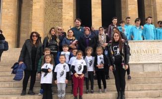 Minikler Anıtkabir'i ziyaret etti