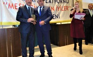 Yazarımız Aktürk'e ödül