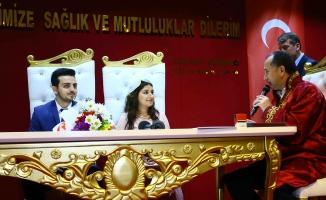 14 Şubat nedeniyle nikah sayısı 4 katına çıktı