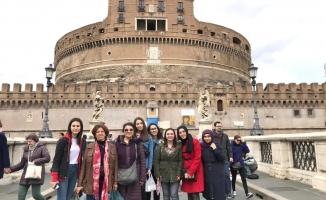Liseli Kızlar Avrupa'da Eğitim Alıyor