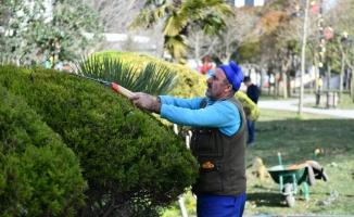Esenyurt'ta Parklar Yaza Hazırlanıyor