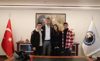 Kartal'ın Özel Sporcularından Başkan Gökhan Yüksel'e Ziyaret