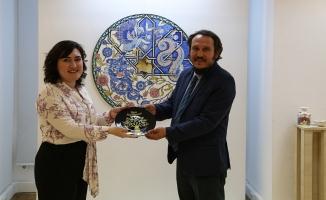 Uzakdoğu'dan Avrupa'ya 'Süreç' sergisi açıldı