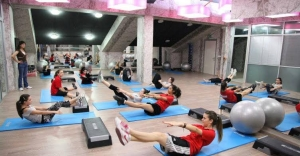 Avcılar'da Kadınlara Ücretsiz Pilates Dersi