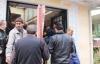 Belediye Cuma çıkışında camilerde Aşure dağıttı