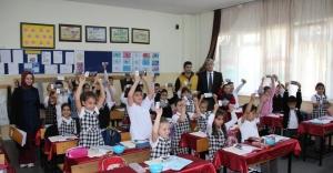 Belediyeden 20 Bin Öğrenciye Kırtasiye Çeki
