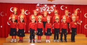 Çapa Bilim Koleji 7 den 77 ye Cumhuriyet Bayramını Kutladı