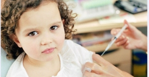 Çocuklara aşı yapılmalı mı yapılmamalı mı ?
