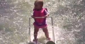 Dünyanın en genç su kayakcısı