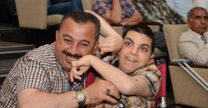 Engelli Çocuğu Olan Babalar İçini Döktü