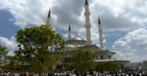 Erdoğan camiyi açtı