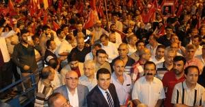 Esenler 'de Demokrasi Nöbetleri Muhteşem