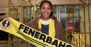 Fenerbahçe'nin yeni transferi Candace Parker İstanbul'da  .