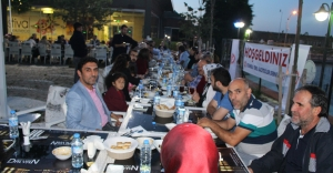 Gazeteciler  ve aileleri iftarda buluştu