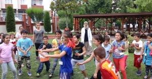 Geleneksel Çocuk Oyunları Küçükçekmece'de Yaşatılıyor