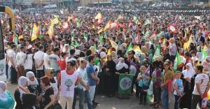 HDP Zeytinburnu'nda gövde gösterisi yaptı