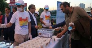 İftara Yetişemeyen Vatandaşların İmdadına Zeytinburnu Belediyesi Yetişti