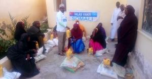 İhlas Vakfı hayırseverlerin yardımlarını Somali'ye ulaştırdı