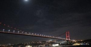 İstanbul Turuncu'ya Büründü