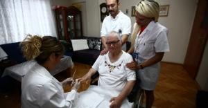 KARTAL' da Yaşlılıara Bakım hizmeti Tüm hızıyla devam Ediyor.