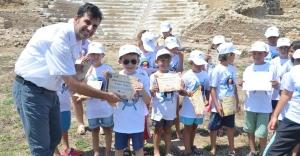 Küçük Arkeologlar İş Başında