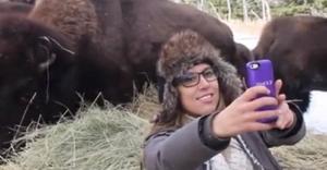 Tek İsteği Selfie Çekebilmekti