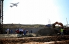 Uçaklara yakıt sağlayan boru hattı delindi