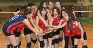 Voleybol'da Okulların Şampiyonu Kadriye Moroğlu Oldu
