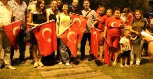 Zeytinburnu Demokrasi Nöbetinin Son Günü Muhteşemdi